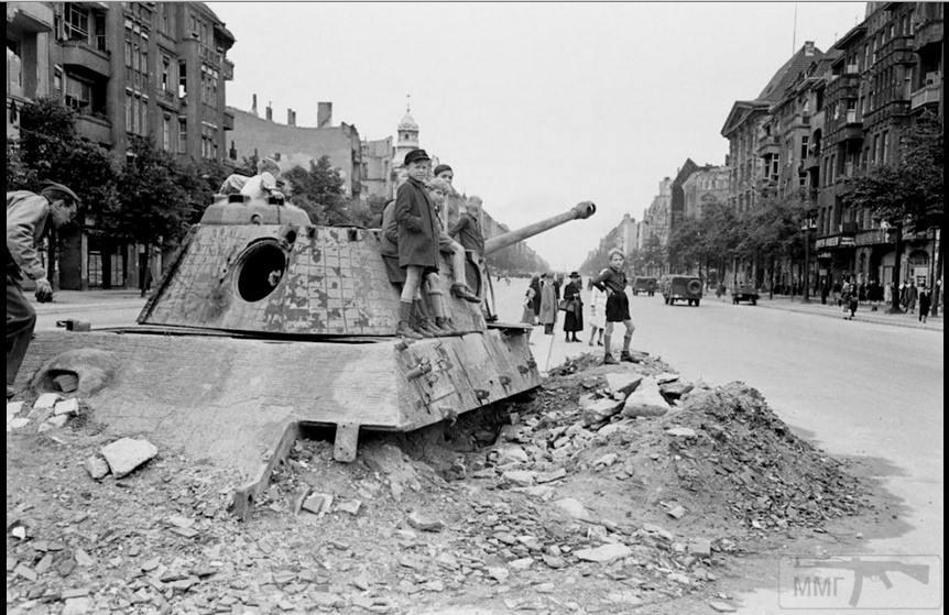 13513 - Русский герой обороны Берлина