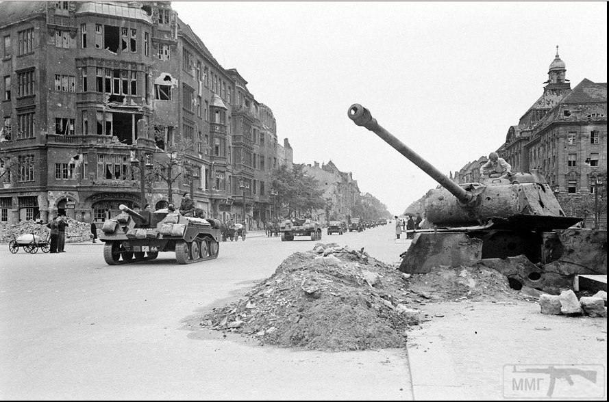 13514 - Русский герой обороны Берлина