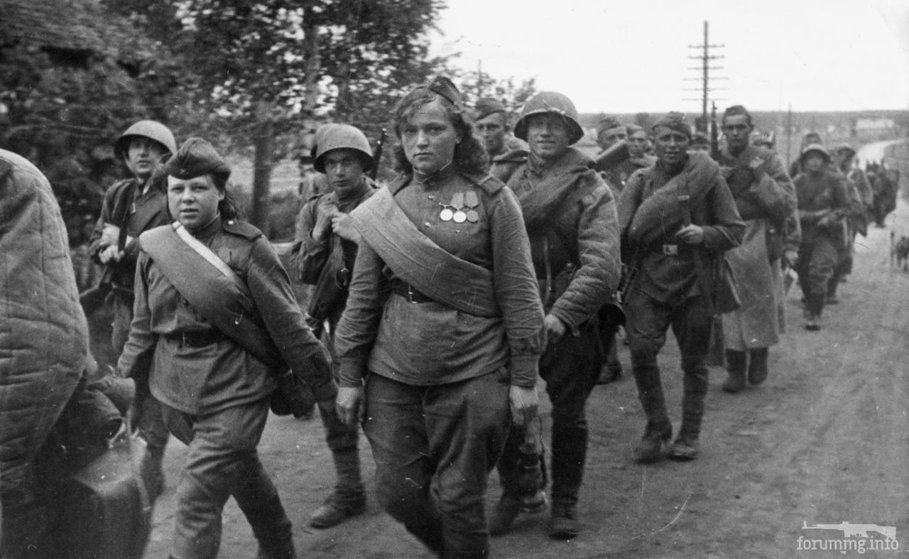 135980 - Военное фото 1941-1945 г.г. Восточный фронт.