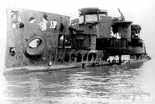 """13607 - Корпус крейсера """"Коминтерн"""" в 1975 году"""