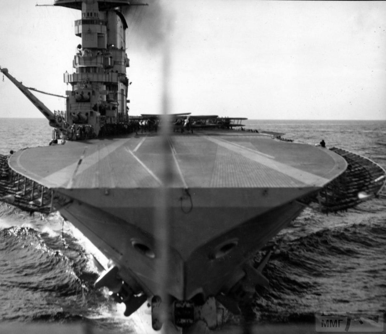 13642 - Два авианосца