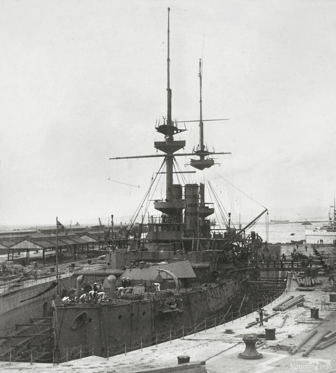 136530 - Броненосец HMS Magnificent в доке Гибралтара, 1907 г.