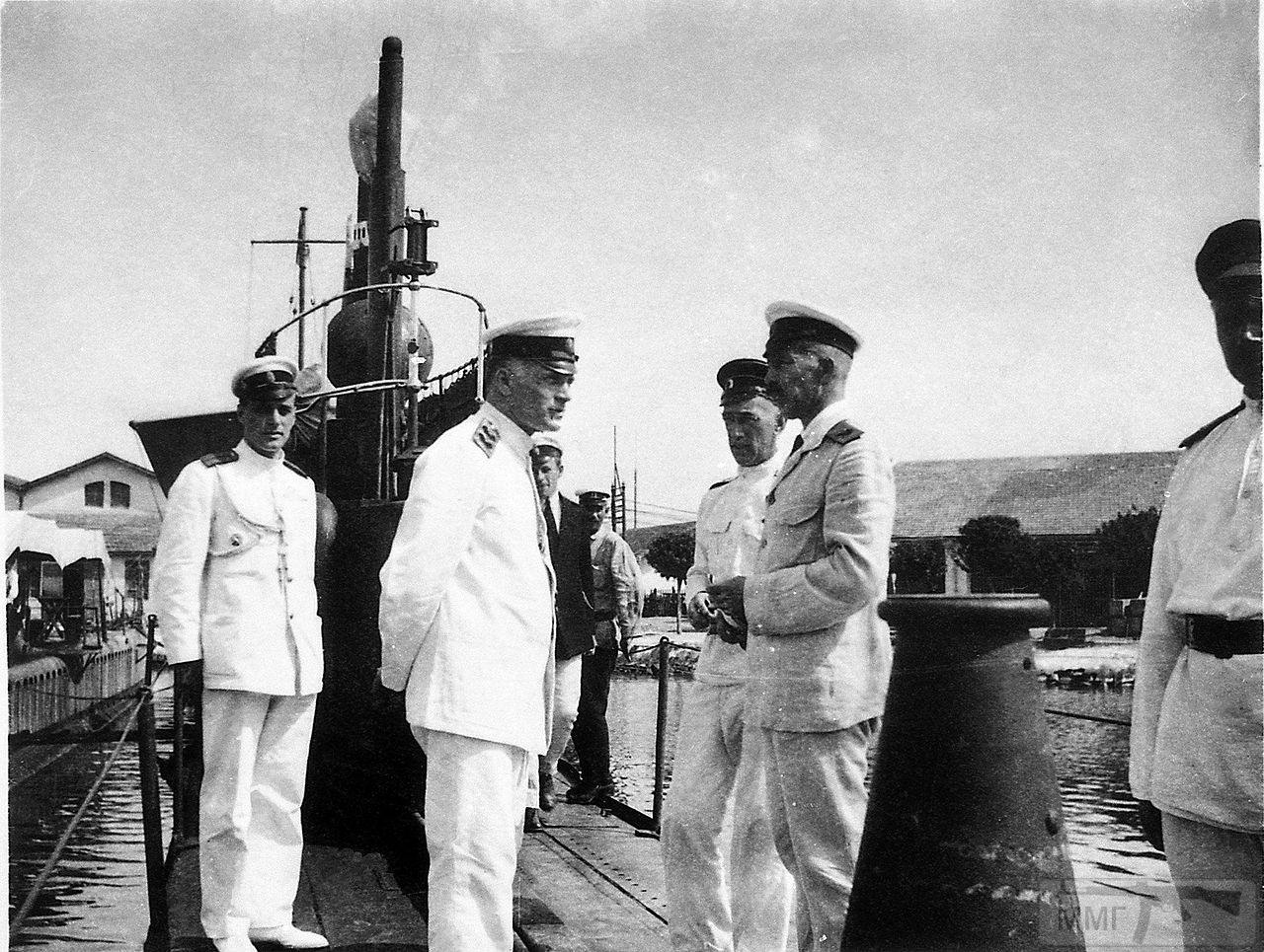 13818 - Кедров М.А. на подводной лодке «Тюлень» в Бизерте, июль 1921 г.