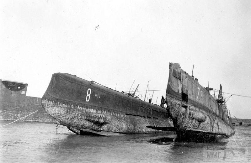 """13837 - Подводные лодки """"Утка"""" и """"Тюлень"""""""