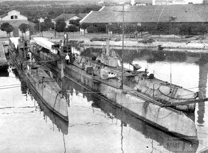 """13840 - Подводные лодки """"Тюлень"""", """"Буревестник"""" и """"АГ-22"""""""