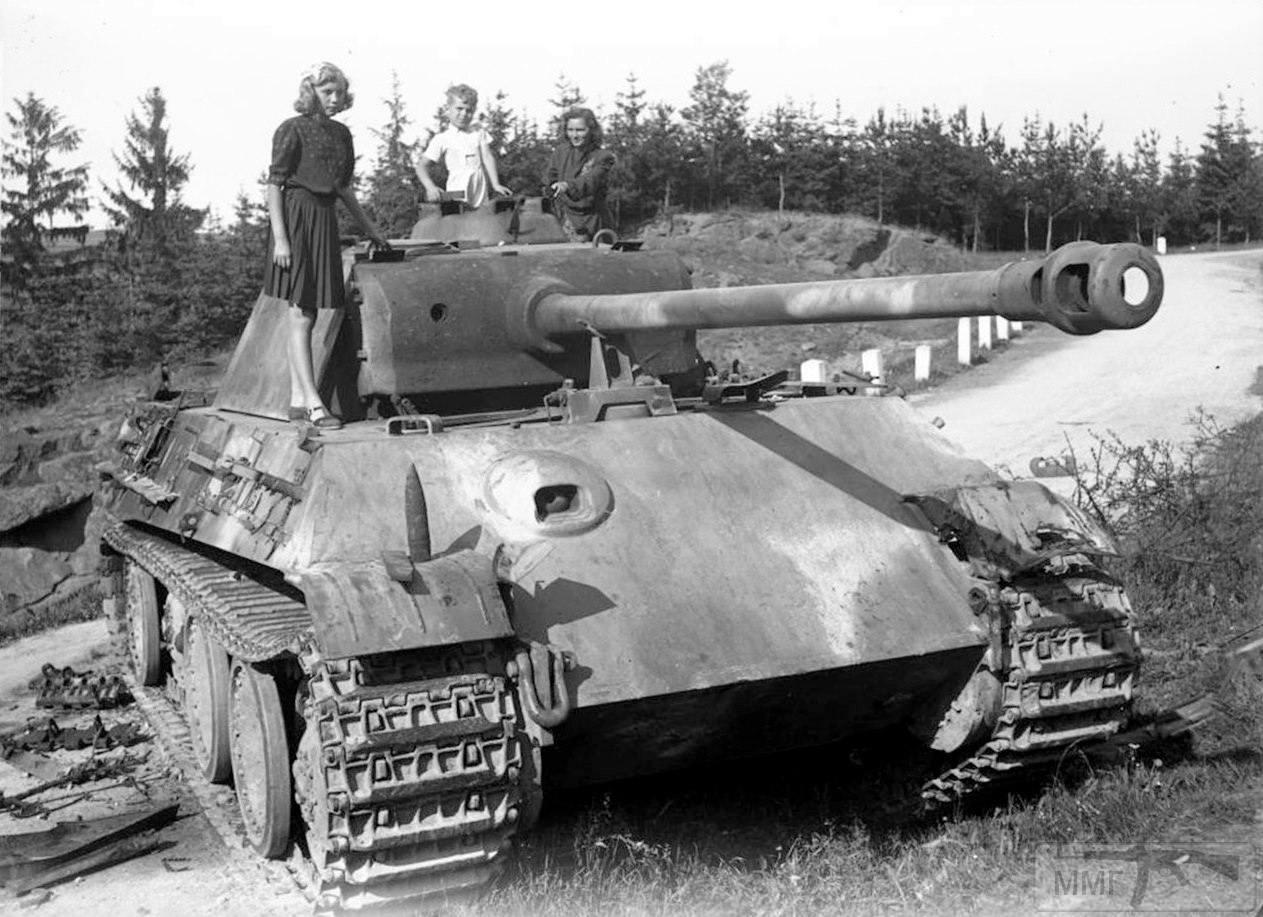 14047 - Pz. Kpfw. V Ausf. G Panther, брошенный у чешского города Číměř, 1945 г.