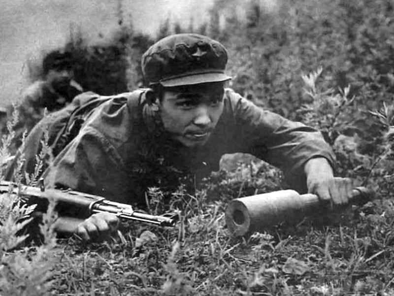 14082 - Герой КНР Чжоу Дэнго, первым открывший 2 марта 1969 г. огонь по советским пограничникам