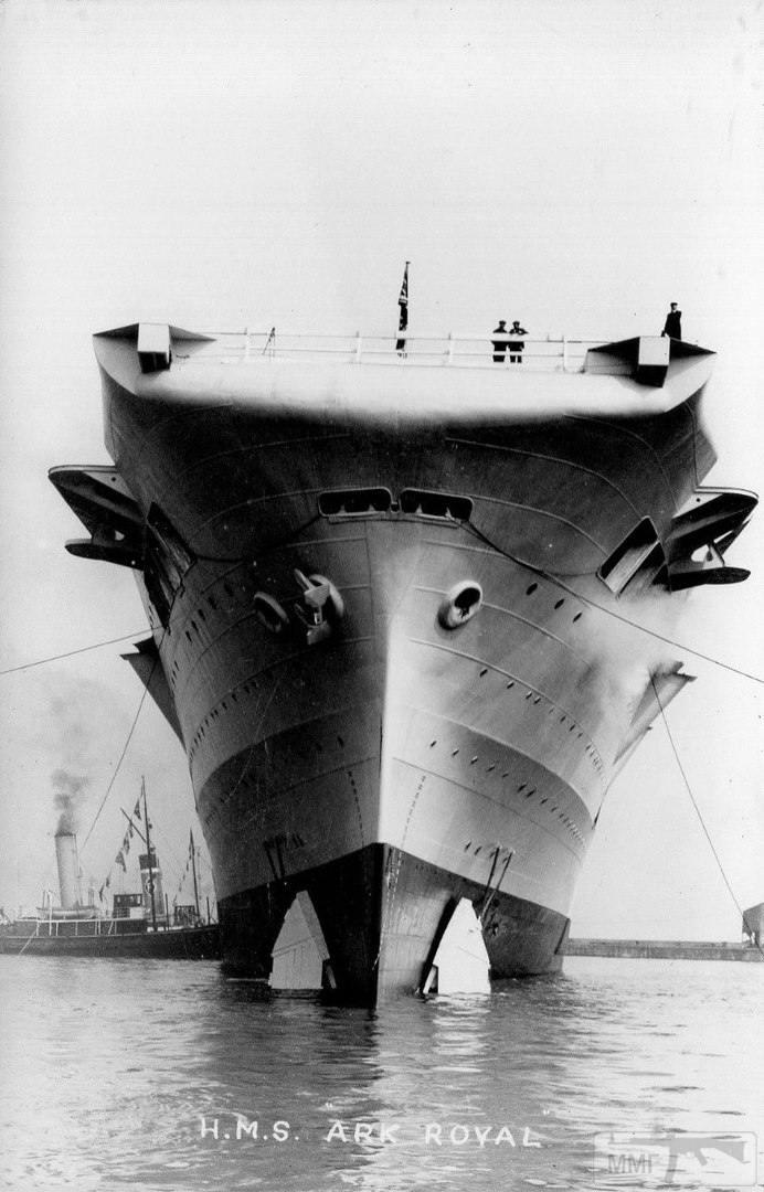 14328 - HMS Ark Royal после спуска на воду