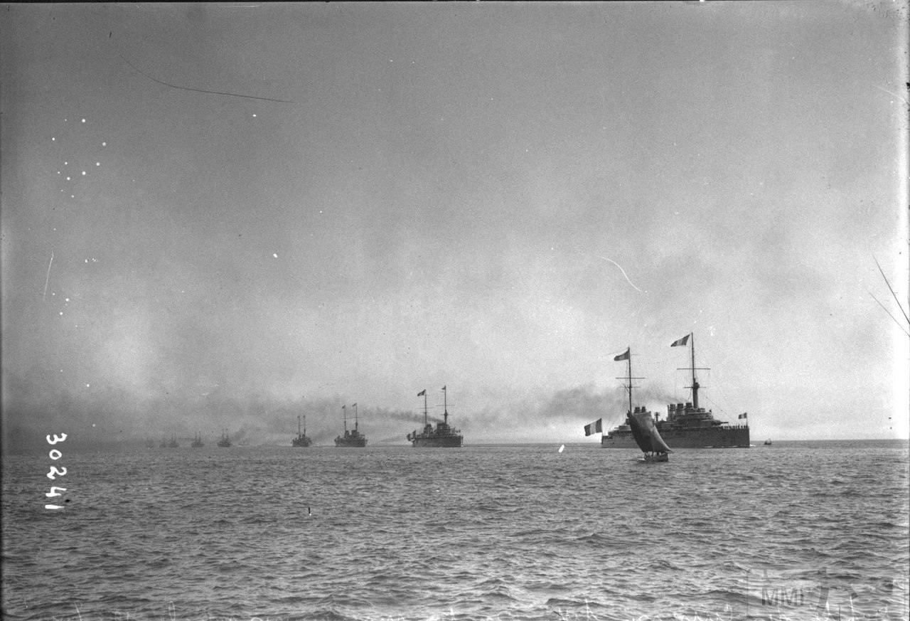 14945 - Броненосцы типа Danton у Тулона, 1913 г.
