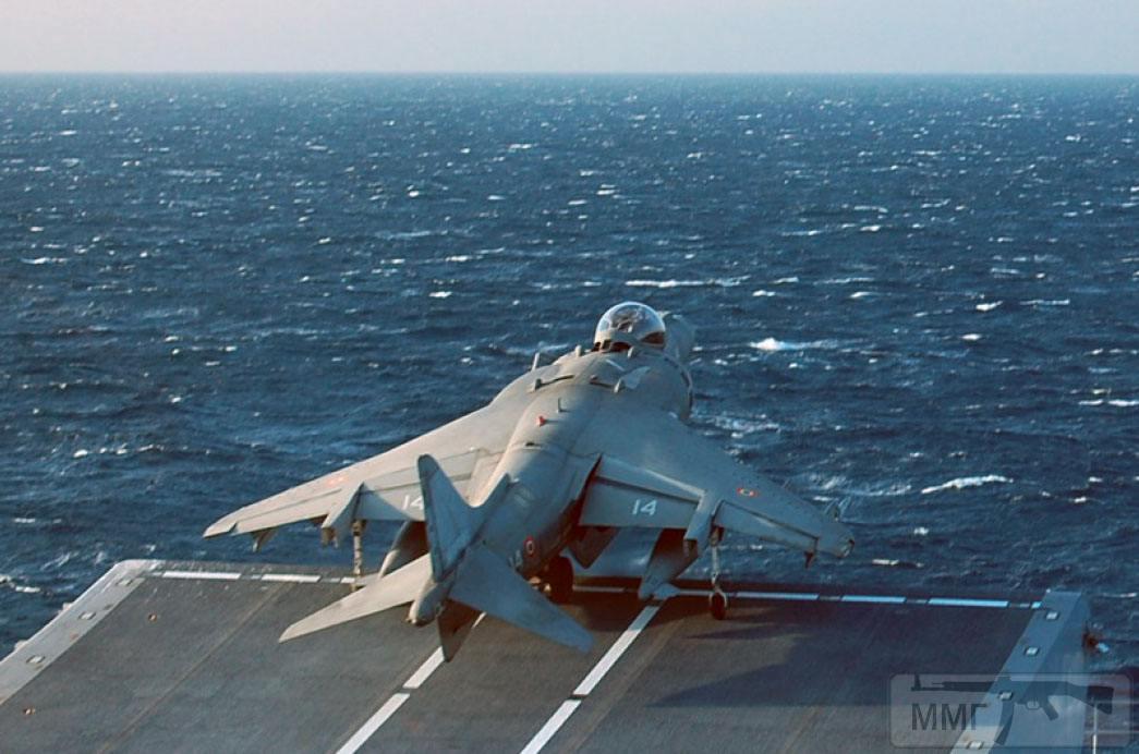 15031 - Два авианосца