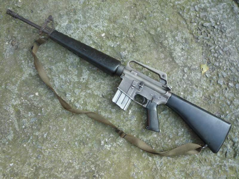 1512 - Семейство Armalite / Colt AR-15 / M16 M16A1 M16A2 M16A3 M16A4