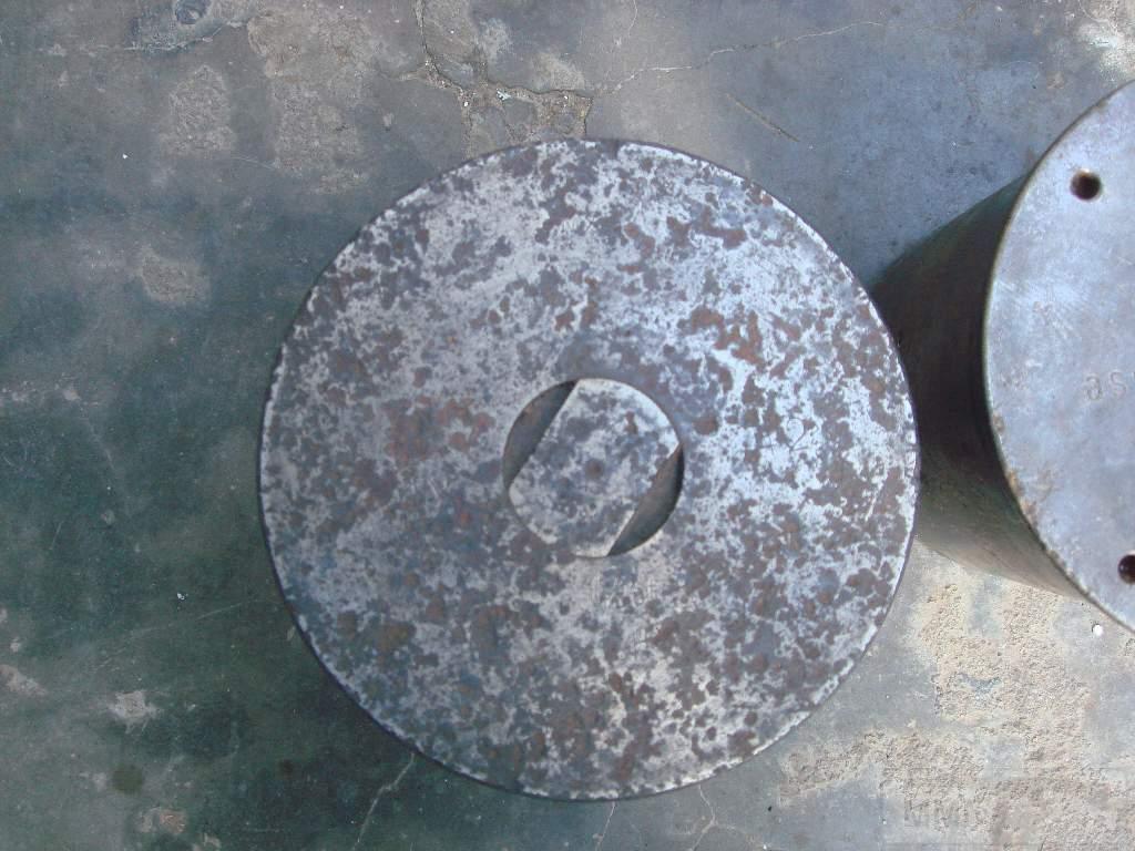1572 - гильзы и остатки укупорки 105 мм(ганс)
