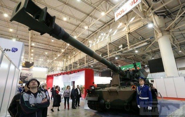 15880 - Оружейные выставки есть?