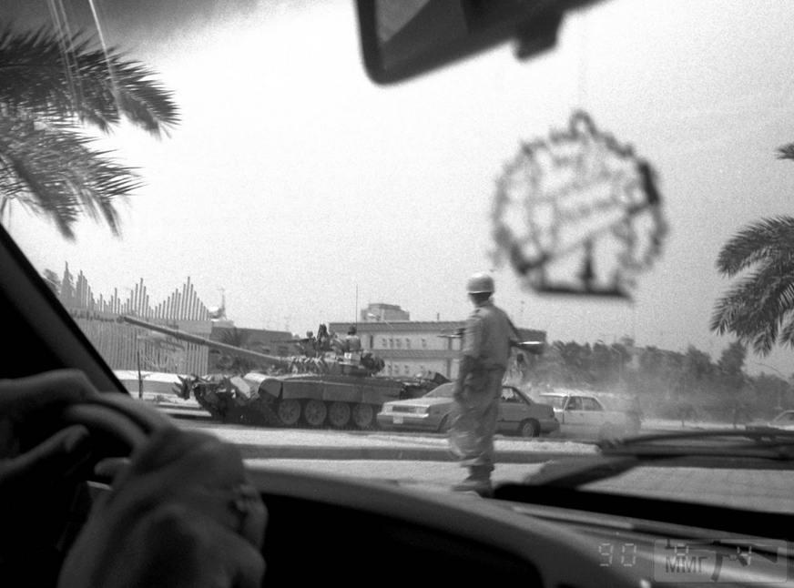16282 - Иракские Т-72 в столице Кувейта 4 августа 1990 года