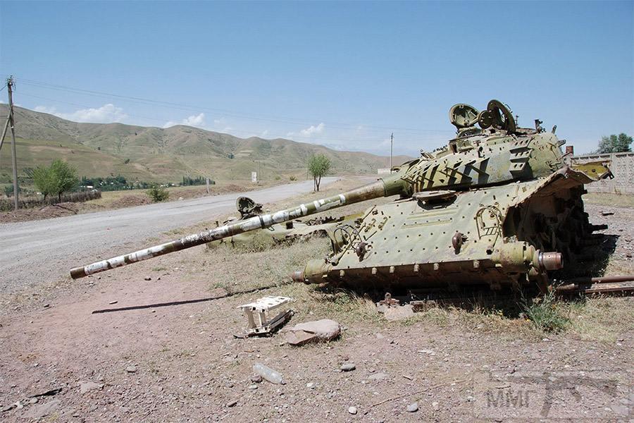 16311 - Подбитый танк в Таджикистане