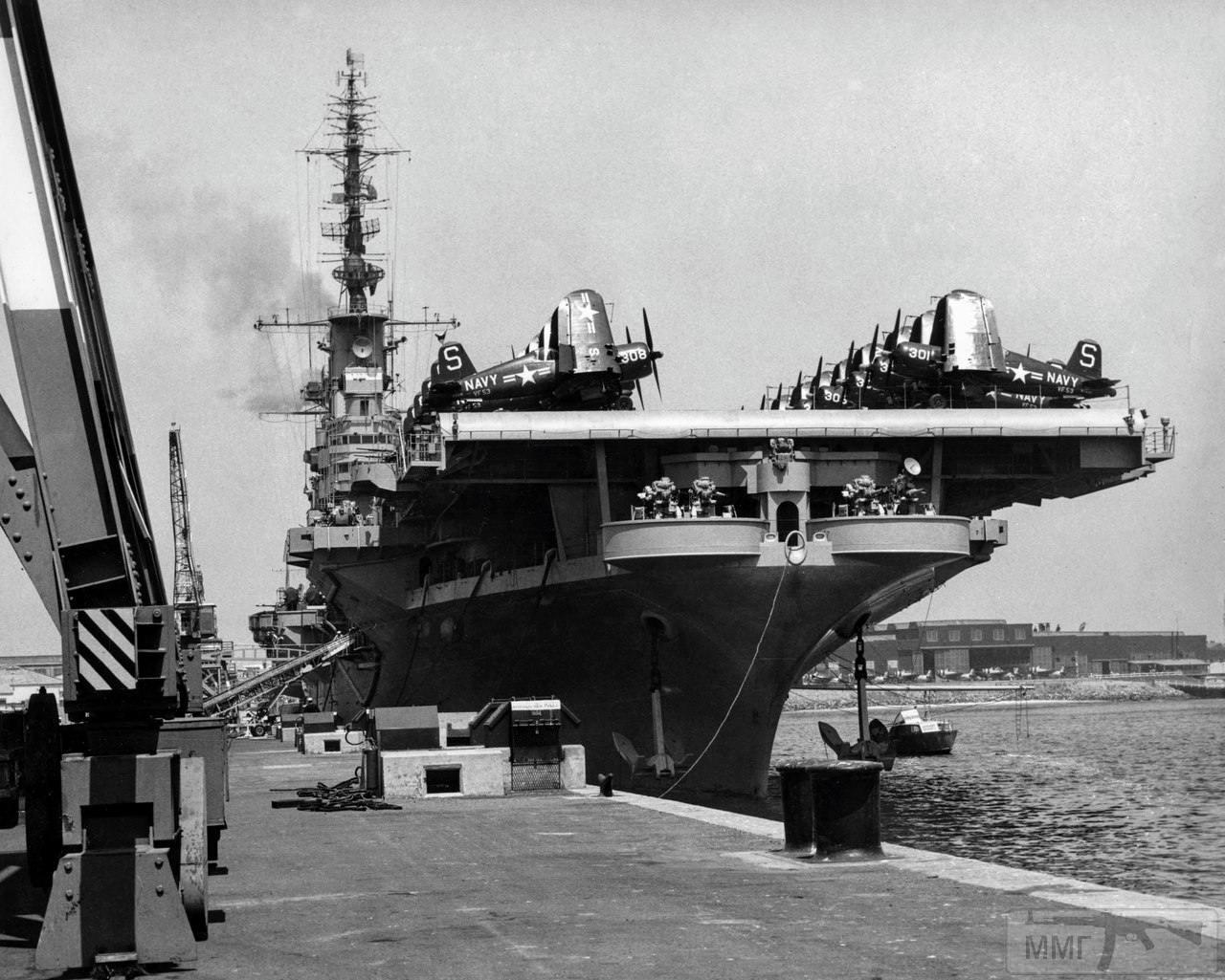 16556 - Два авианосца