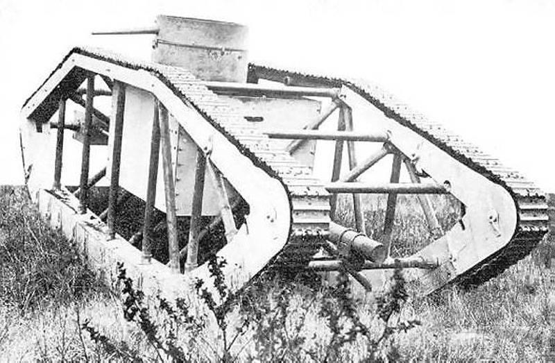 16706 - Легкий танк Pioneer Tractor Skeleton Tank (США).