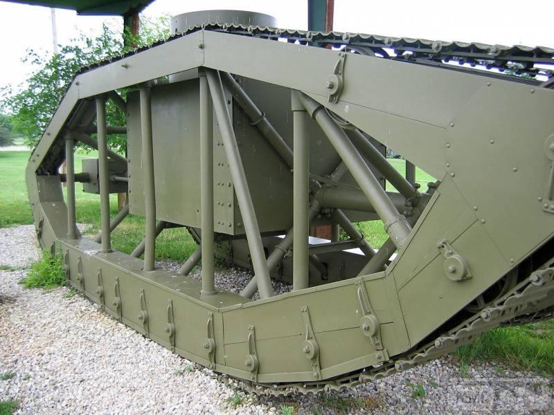 16709 - Легкий танк Pioneer Tractor Skeleton Tank (США).