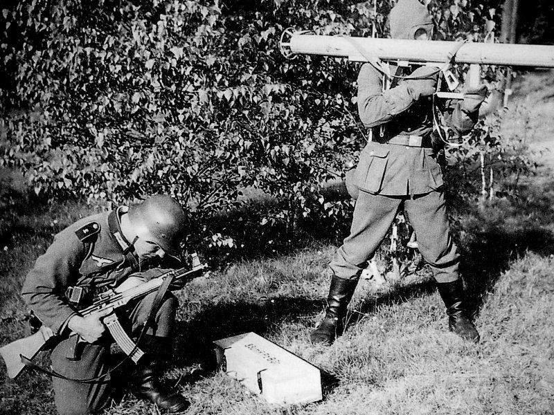1674 - Реактивный противотанковый гранатомет RPzB.43 Ofenrohr Офенрор / RPzB.54 Panzerschreck Панцершрек