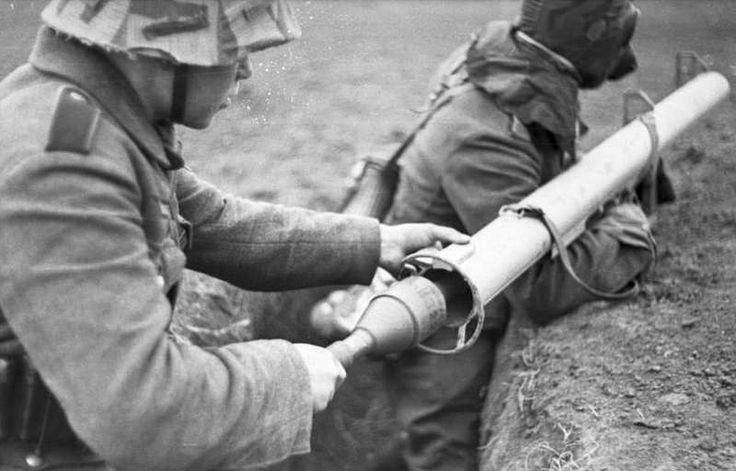 1675 - Реактивный противотанковый гранатомет RPzB.43 Ofenrohr Офенрор / RPzB.54 Panzerschreck Панцершрек