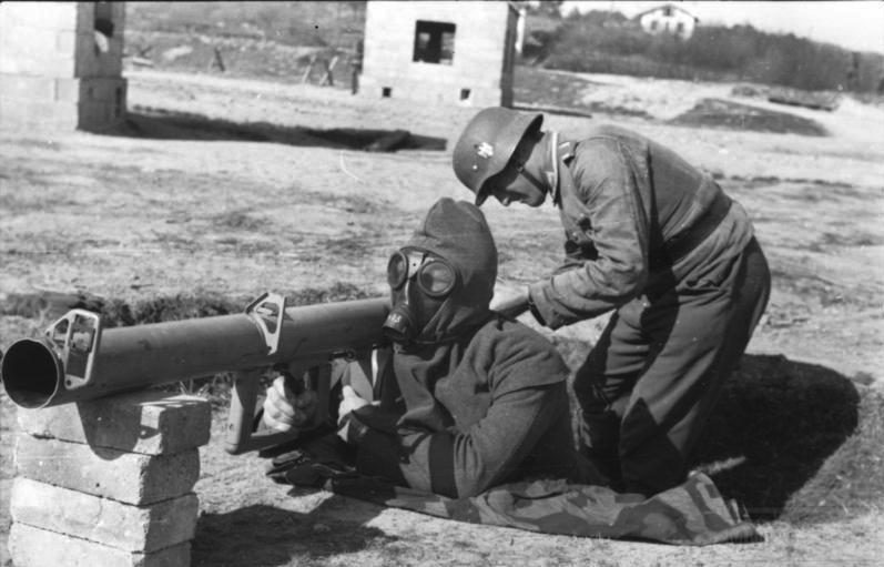 1676 - Реактивный противотанковый гранатомет RPzB.43 Ofenrohr Офенрор / RPzB.54 Panzerschreck Панцершрек