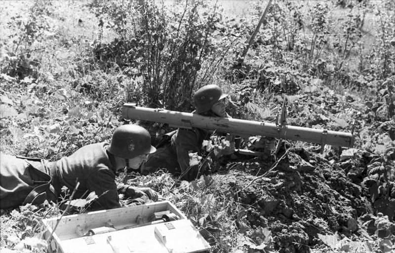 1678 - Реактивный противотанковый гранатомет RPzB.43 Ofenrohr Офенрор / RPzB.54 Panzerschreck Панцершрек