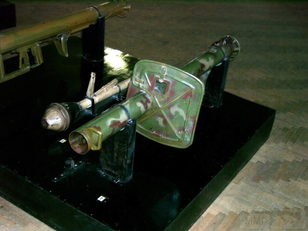 1679 - Реактивный противотанковый гранатомет RPzB.43 Ofenrohr Офенрор / RPzB.54 Panzerschreck Панцершрек