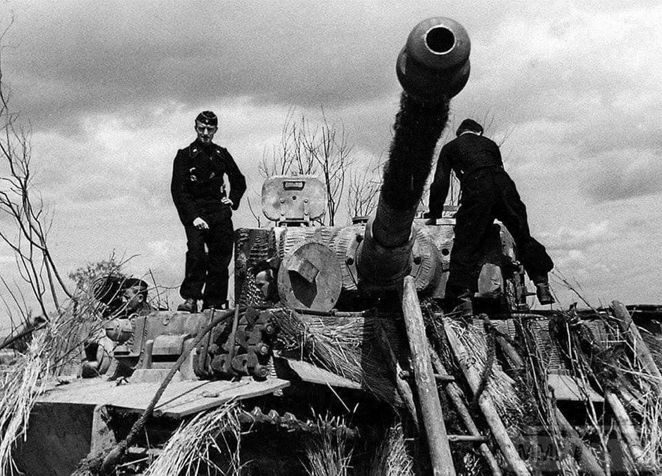 16844 - Achtung Panzer!