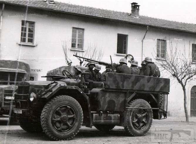 16884 - Грузовые и спец.автомобили Третьего рейха