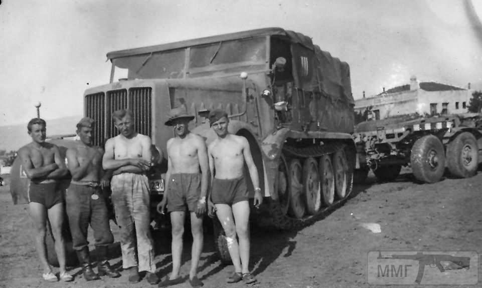 16913 - Грузовые и спец.автомобили Третьего рейха