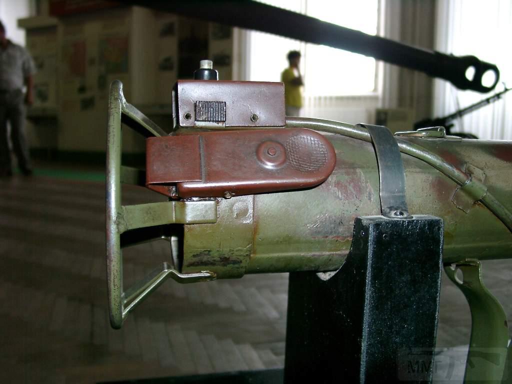 1696 - Реактивный противотанковый гранатомет RPzB.43 Ofenrohr Офенрор / RPzB.54 Panzerschreck Панцершрек