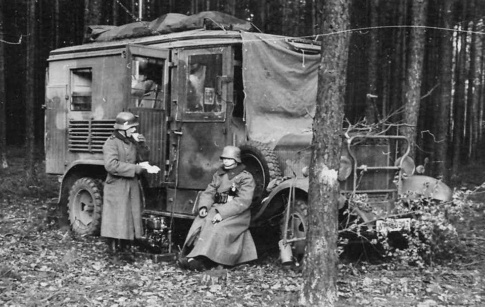 17003 - Грузовые и спец.автомобили Третьего рейха