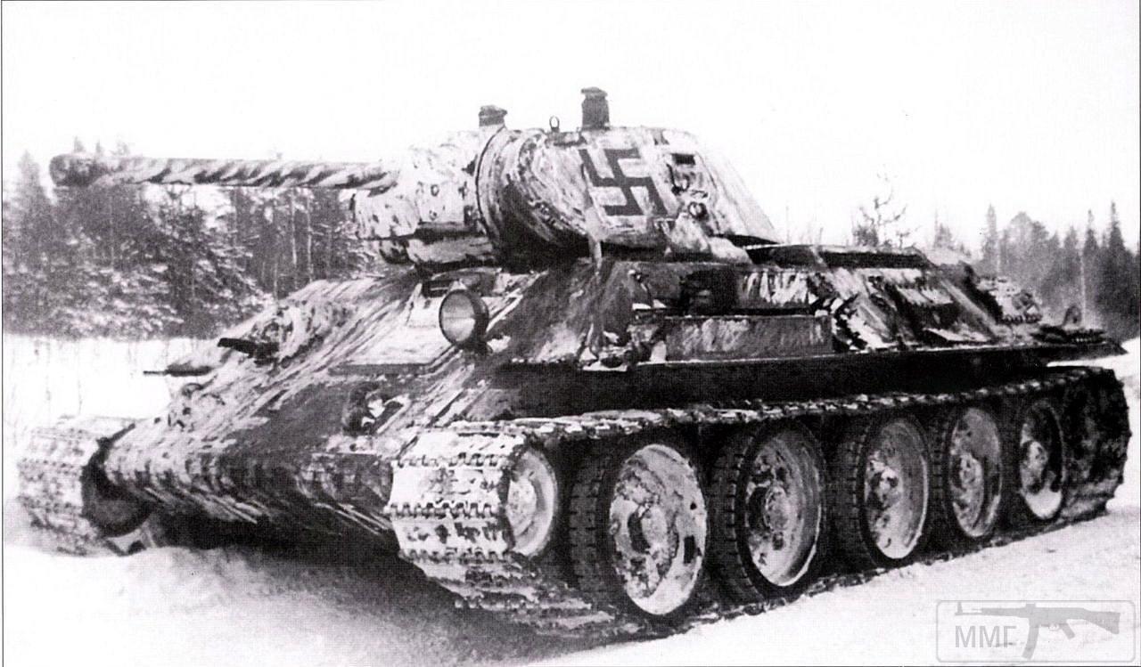 17028 - Трофейный Т-34, захваченный финскими войсками во время боев в Карелии в районе Медвежьегорска. Данный танк один из первых захваченных финскими войсками советских танков Т-34. Танк получил регистрационный №105. Машина выпуска 1941 года.