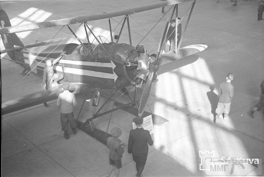 17035 - У-2 с/н 11429. Захвачен 19 февраля 1940 г. Фото сделано 27 сентября 1941 г. в Хельсинки на выставке трофеев. Приземлился 19.12.1939 г в Толваяр-ви (экипаж, по-видимому, скрылся).Этот самолет сейчас выставлен в музее финских ВВС в Тиккакоски (аэропорт Ювяскюля).