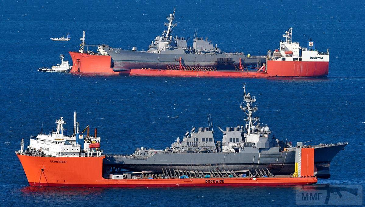 17550 - USS John S. McCain (DDG-56) и USS Fitzgerald (DDG-62)