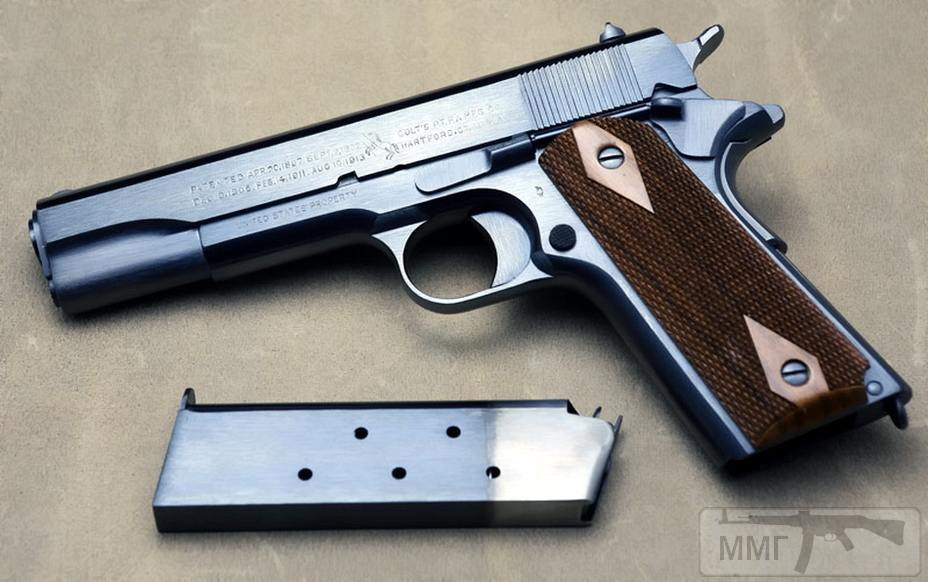 17728 - А давайте сравним пистолеты?