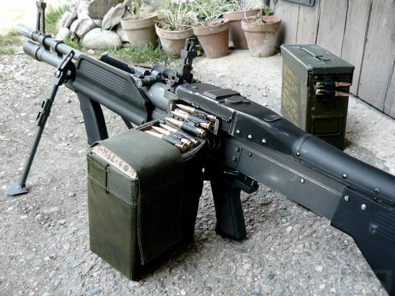 1776 - Fallschirmjägergewehr 42