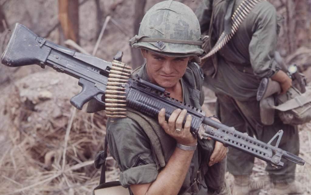 1777 - Fallschirmjägergewehr 42