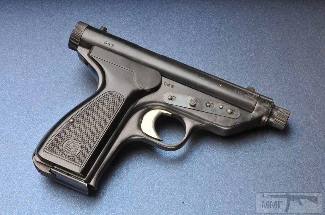 17868 - А давайте сравним пистолеты?
