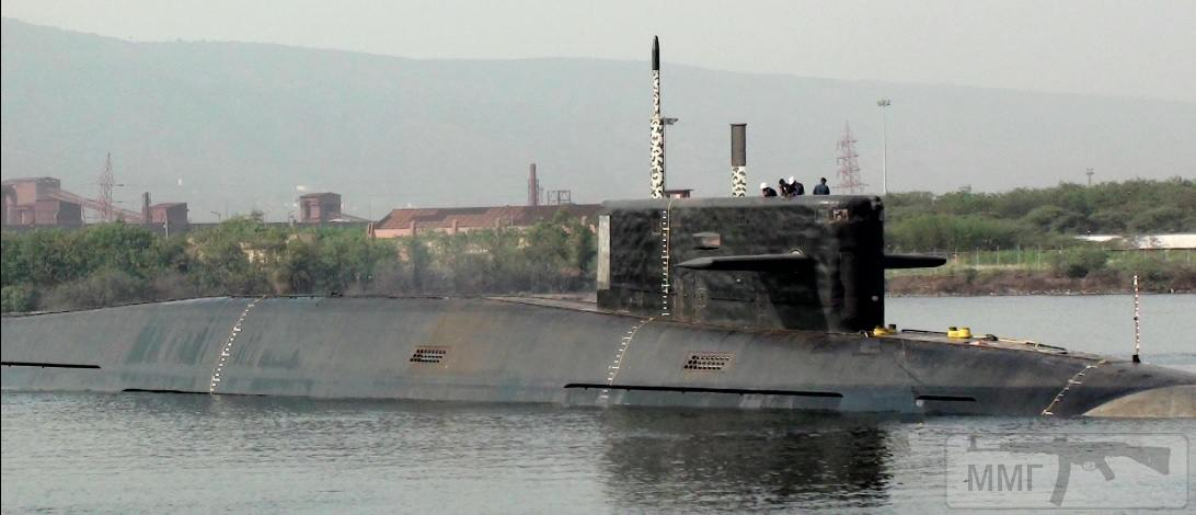 18197 - Один из немногих доступных в открытых источниках качественных снимков головной индийской атомной подводной лодки национальной постройки S 73 Arihant. Снимок сделан летом 2014 года в Вишакхапатнаме еще до выхода Arihant на заводские ходовые испытания (с) NDTV