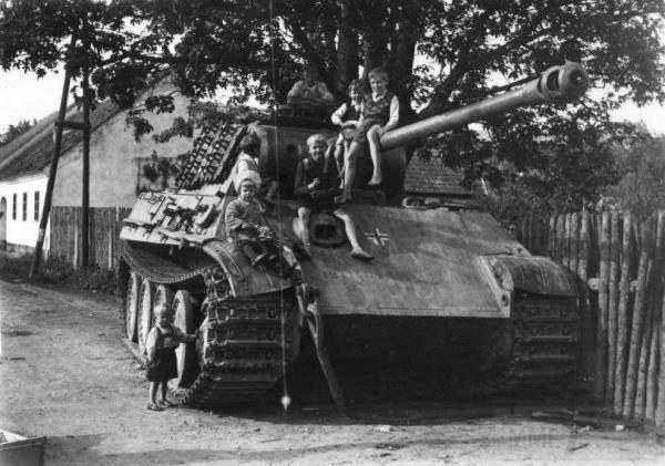 1856 - Achtung Panzer!