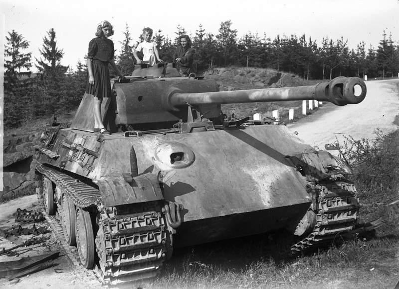 1858 - Achtung Panzer!