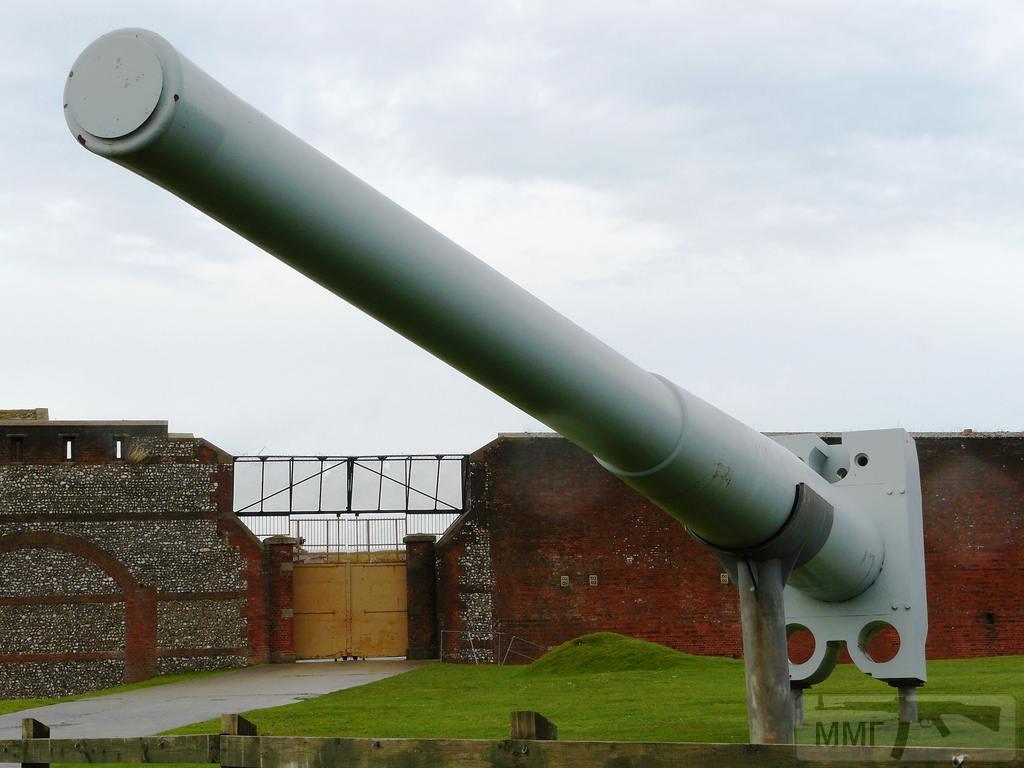 18868 - Корабельные пушки-монстры в музеях и во дворах...