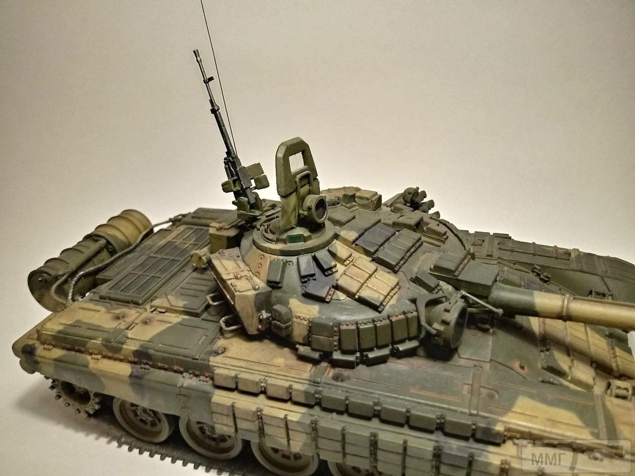 20382 - Т-72Б. 1/35. Звезда.