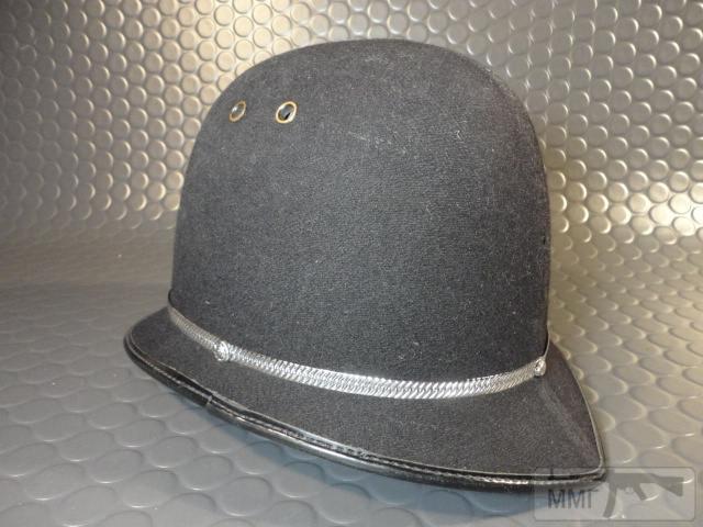 "20465 - Шлем полицейский Англия ""Бобби""."