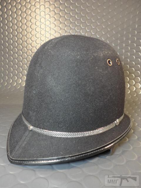 "20470 - Шлем полицейский Англия ""Бобби""."
