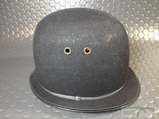 "20473 - Шлем полицейский Англия ""Бобби""."