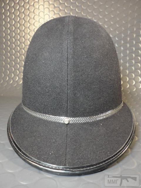 "20476 - Шлем полицейский Англия ""Бобби""."