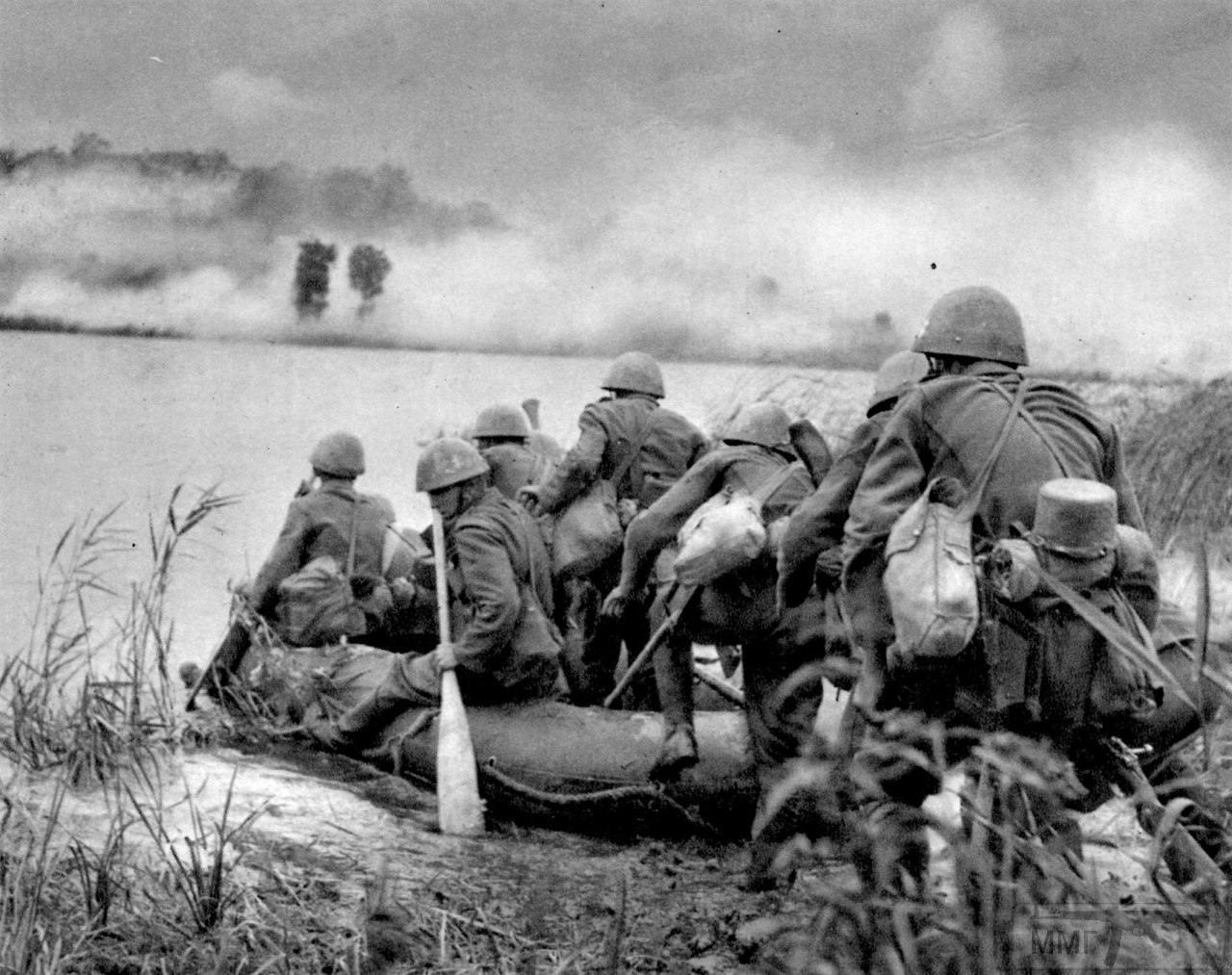 21450 - Военное фото 1941-1945 г.г. Восточный фронт.