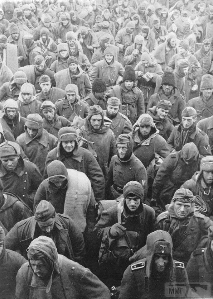 21501 - На стройке немцы пленные на хлеб меняли ножики...